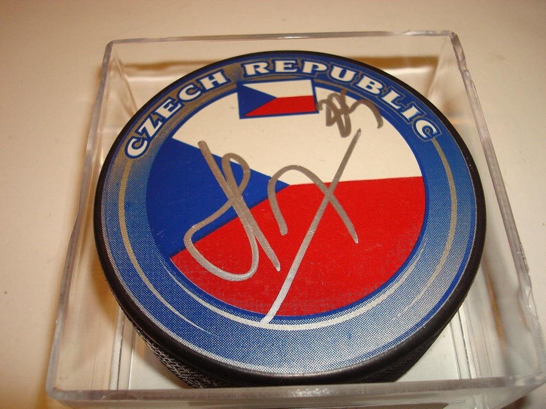 Autographed Martin Havlat Hockey Puck  Team Czech Republic  5  Autographed NHL Pucks