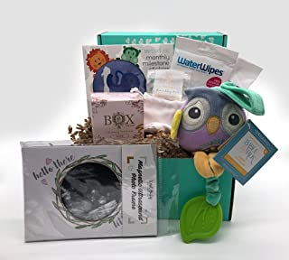 Newborn Gift Box for Mom & Baby with Organic & Natural Products - Stickers, Frame, Wipes, Toy & Bath Pouch