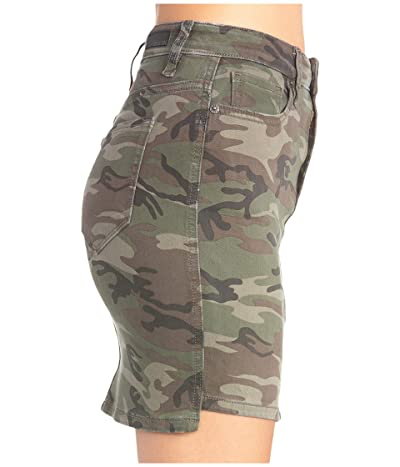 Miss Me Vintage Camo Mid-Rise Skirt (Camo Green) Women