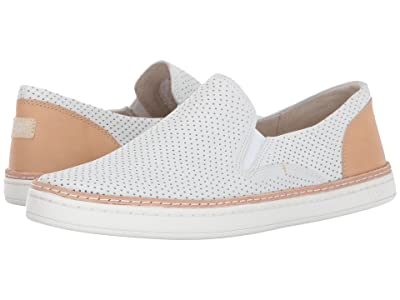 UGG Adley Perf (White) Women