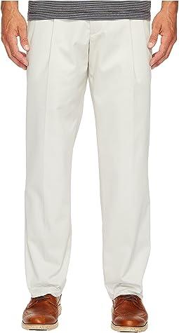 Dockers Easy Khaki D3 Classic Fit Pleated Pants