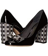 Salvatore Ferragamo - 85 mm Vara Pumps w/ Bow