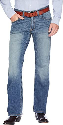 M5 Slim Low Rise Bootcut Tekstretch Jeans in Blue Point
