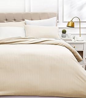 AmazonBasics - Juego de ropa de cama con funda nórdica de microfibra y 2 fundas de almohada - 220 x 250 cm, crema