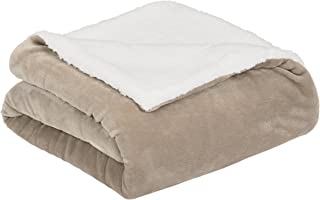 AmazonBasics Soft Micromink Sherpa Blanket - Twin, Taupe
