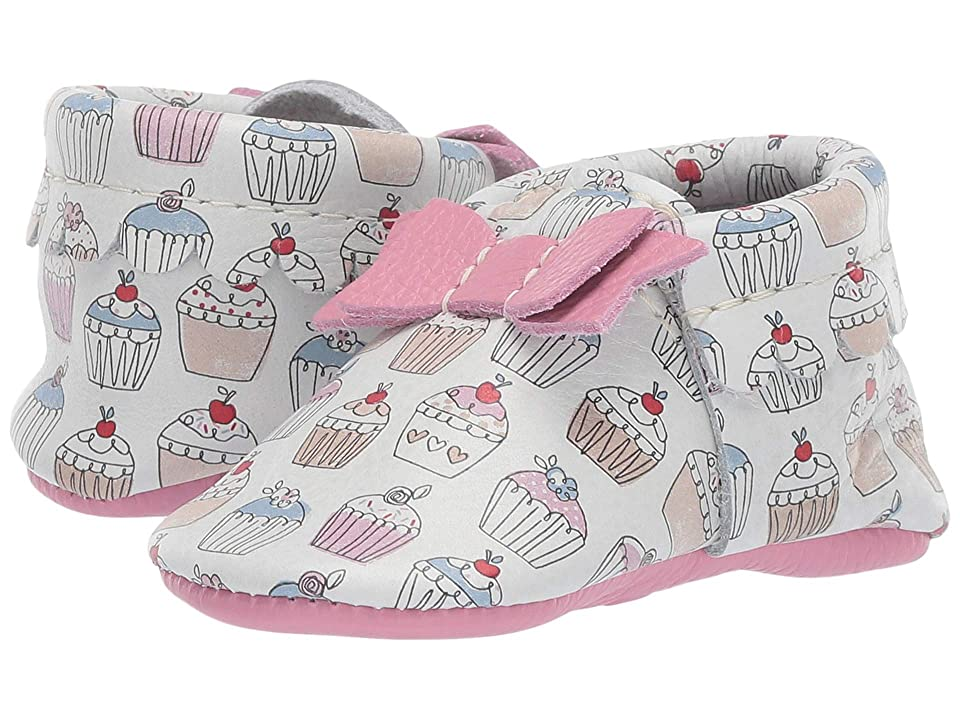 Freshly Picked Soft Sole Bow Moccasins Candy Shop (Infant/Toddler) (Cupcakes) Girls Shoes