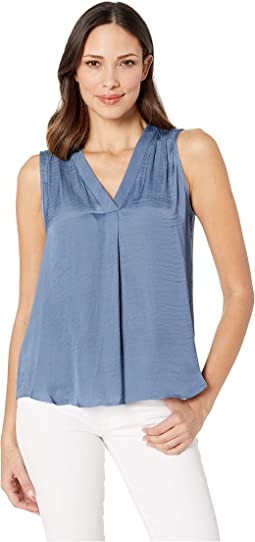 Sleeveless V-Neck Rumple Blouse