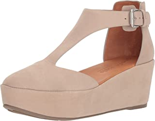 Gentle Souls by Kenneth Cole Women's Nydia Platform Wedge with T-Strap