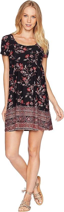 Scoop Neck Pleated Seam Detail Short Sleeve Dress