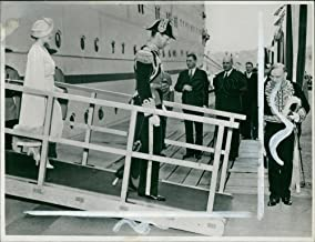 Vintage photo of Majesties King and Queen stepping from the Empress of Australia on their arrival at Quebec