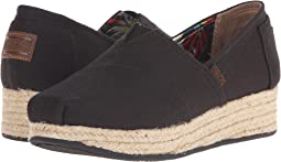 BOBS from SKECHERS Highlights - High Jinx