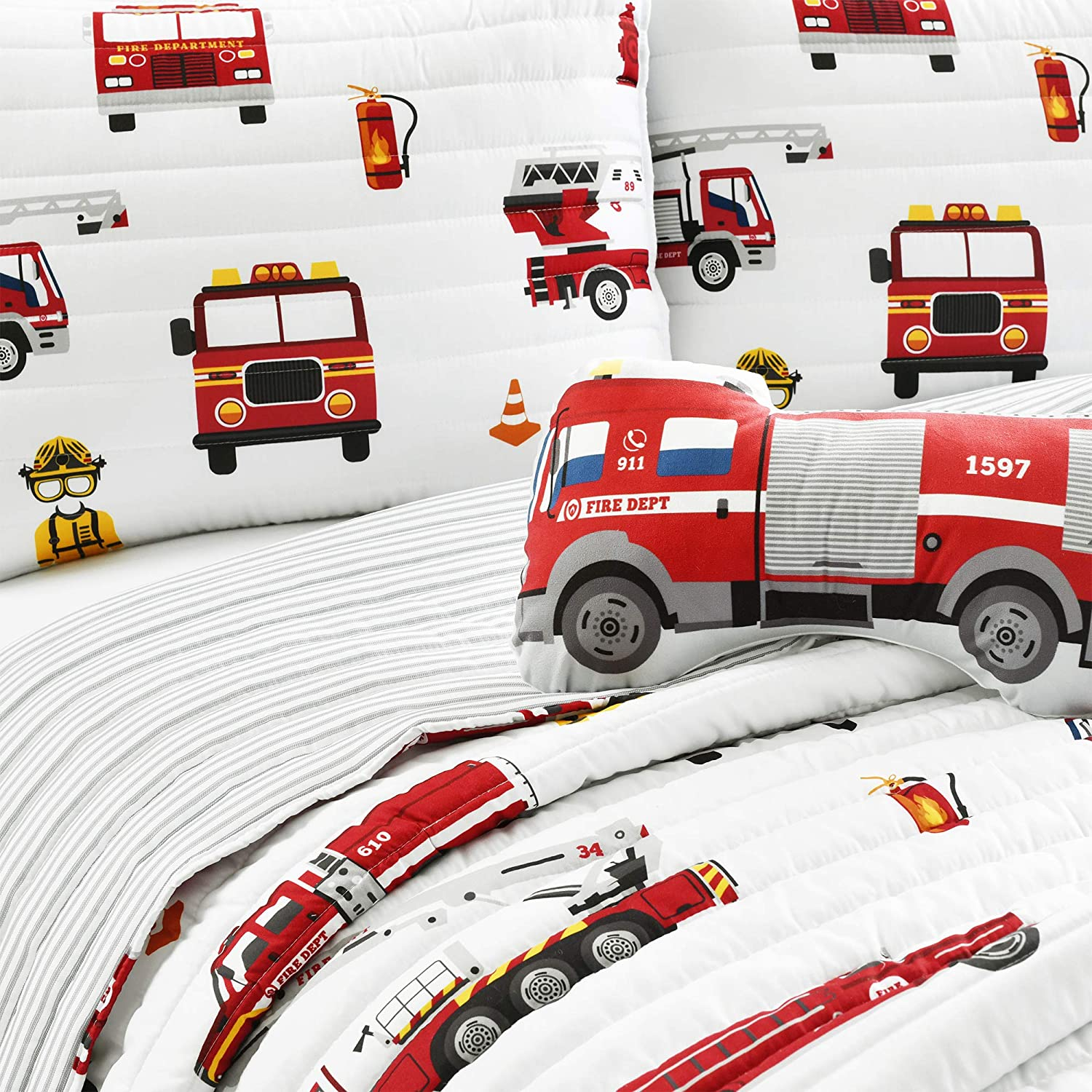 Make A Wish Fire Truck Red /& White Reversible Print 4 Piece Quilt Set Full Queen