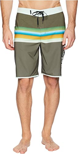 "Phantom Chill 20"" Stretch Boardshorts"