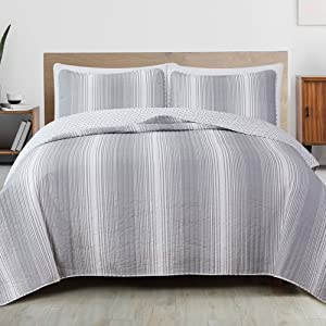 3-Piece Reversible Quilt Set with Shams. All-Season Bedspread with Ombre Striped Pattern. Everette Collection (Full / Queen, Grey)