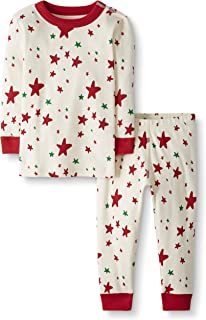 Moon and Back by Hanna Andersson Little Kids 2 Piece Long Sleeve Pajama Set, Red/Green Star, 6/7
