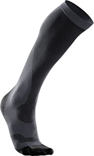 2XU Men's Compression Socks/Sleeves Compression Performance Run Sock (pack of 1)