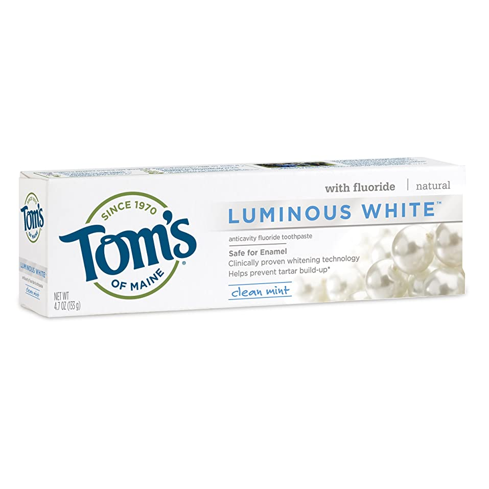 放牧する苦難哀Tom's of Maine Luminous White Whitening Natural Toothpaste, Clean Mint, 4.7 Ounトムズルミナスホワイト
