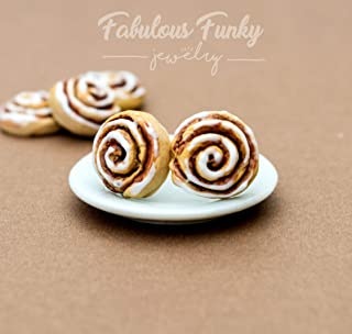 Cinnamon Buns Studs - Cinnamon rolls - Fimo - Polymer Clay - - thin Food - Candy