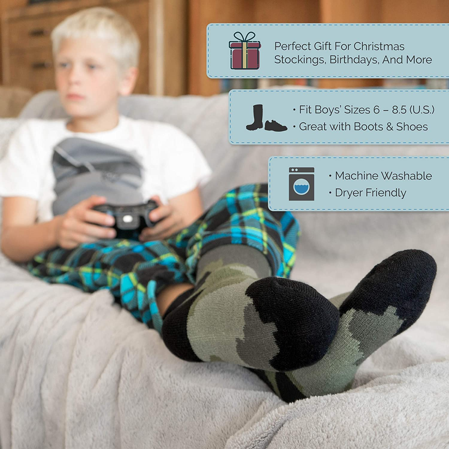 Hot Feet Boy's 2 Pairs Heavy Thermal Socks - Thick Insulated Crew for Cold Weather; Size: 6-13.5 (Age: 5-11)