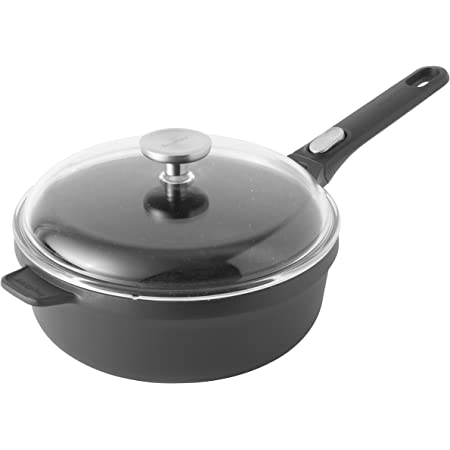 Amazon Com Berghoff Gem Non Stick Ceramic Coated Covered Sautepan With Removable Handle Cast Aluminium Black 48 X 25 X 12 5 Cm Kitchen Dining