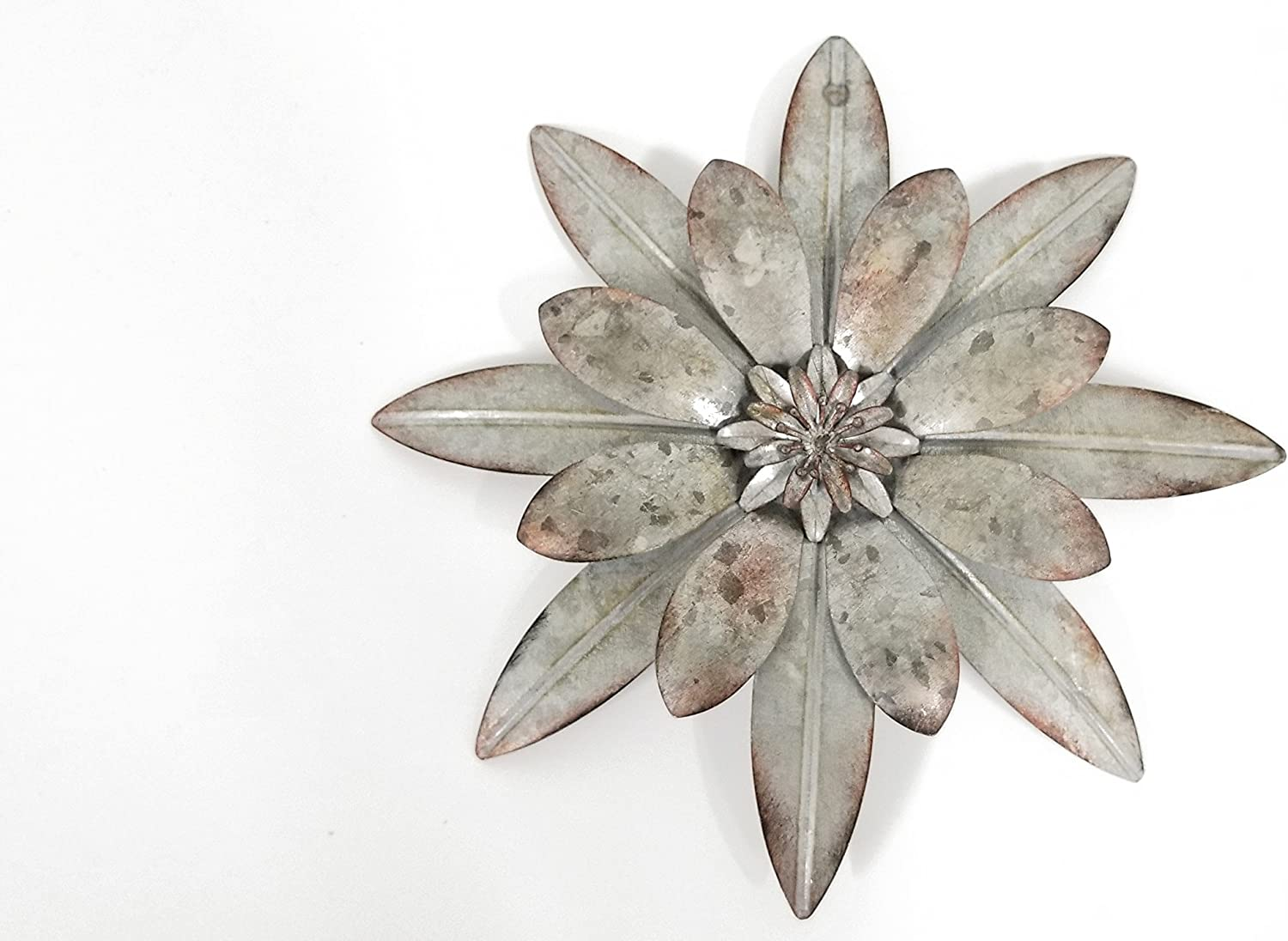 Everydecor Galvanized Metal Flower with Rustic Details