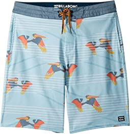 Sundays LT Boardshorts (Big Kids)