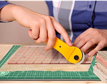 """Calibre Art Rotating Self Healing Cutting Mat, Perfect for Quilting & Art Projects, 8x8 (7"""" grids)"""