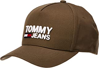 تشكيلة تومي جينز للرجال من تومي هيلفجر بطبعة شعار العلامة التجارية
