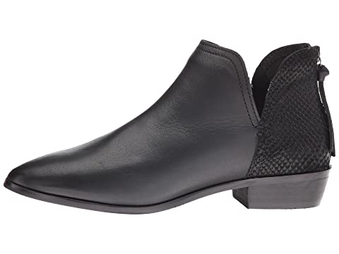 Kenneth Cole Reaction Loop There It Is Select a Size