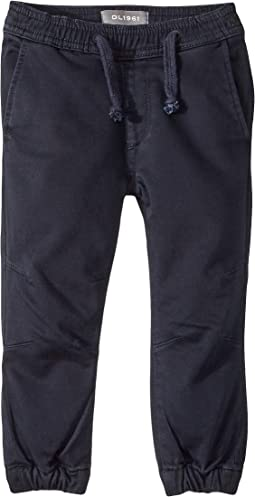 Jackson Knit Jogger Pull-On with Drawstring Closure in Yass (Toddler/Little Kids/Big Kids)