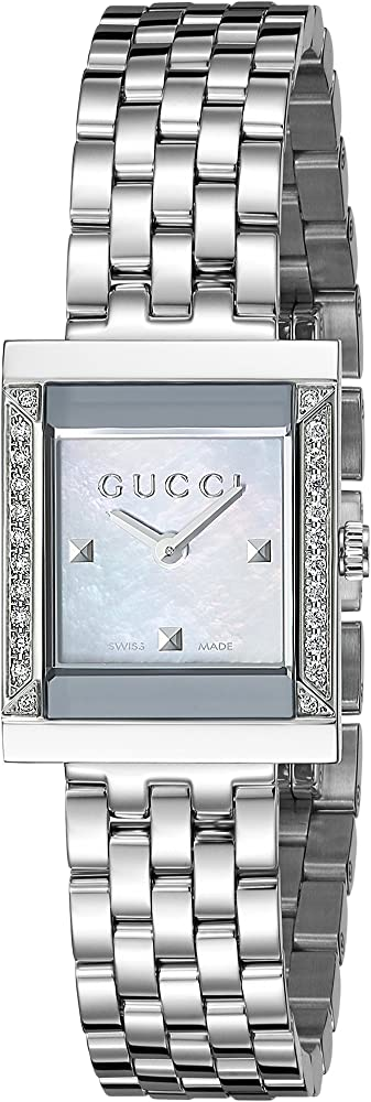Gucci, orologio da donna, in acciaio inossidabile, lunetta impreziosita da diamanti e quadrante in madreperla YA128405