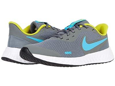 Nike Kids Revolution 5 (Big Kid) (Smoke Grey/Chlorine Blue/High Voltage) Boys Shoes