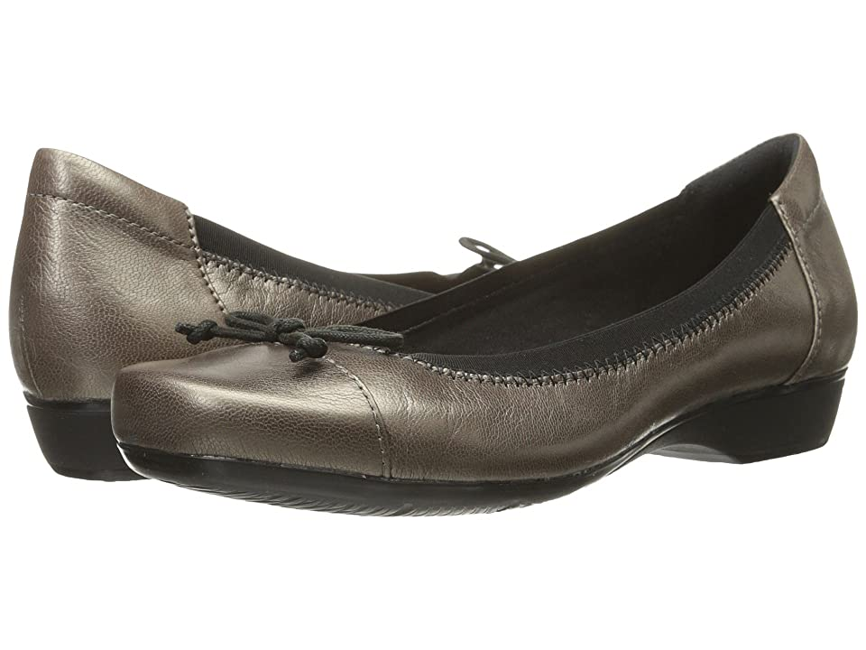 Clarks Blanche Nora (Pewter Leather) Women