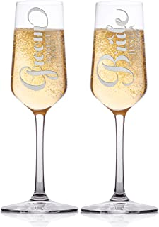Set of 2 Personalized Wedding Champagne Flute Glasses Customized Wedding Champagne Glasses for Script Font Bride and Groom with Couple Names and Date Mr Mrs Celebration Champaign Flute Set C7