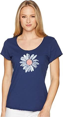 Big Daisy Smooth Scoop Tee