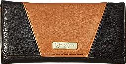 Agnes Flap Checkbook