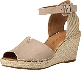 9eb9336df2f9 Gentle Souls by Kenneth Cole Gisele at Zappos.com