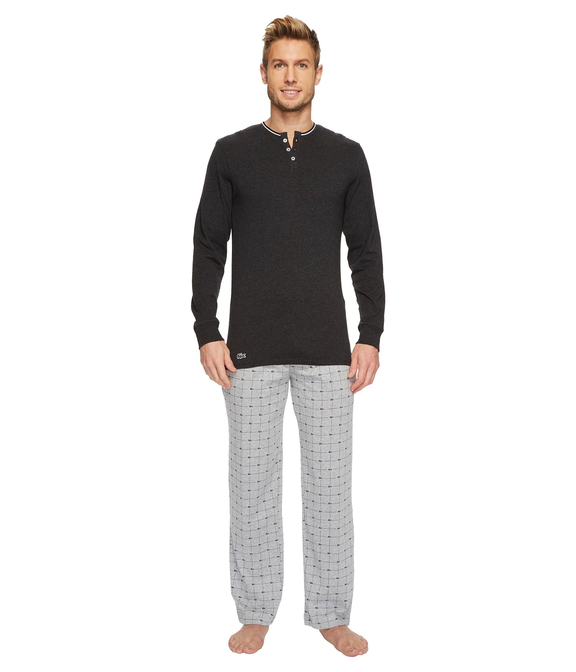 Pijama para Hombre Lacoste Cotton Jersey Long Sleeve Henley and Signature Print Knit Pants  + Lacoste en VeoyCompro.net
