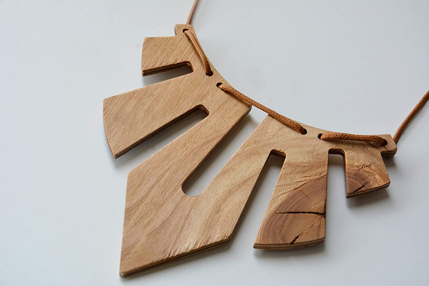 Wooden geometric statement necklace with brown New arrival Special sale item jewelr wood cord