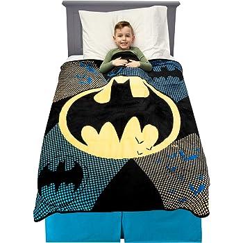 40 x 50 Black Knight Hugger and Fleece Throw Blanket Set Multi Color Black Knight Hugger and Fleece Throw Blanket Set 40 x 50 The Northwest Throw 1BAT//03800//0003//AMZ DC Comics Batman