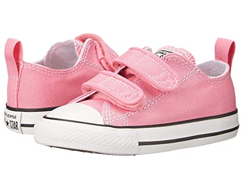 723049d9a524 Converse Kids Chuck Taylor 2V Ox (Infant Toddler) at Zappos.com