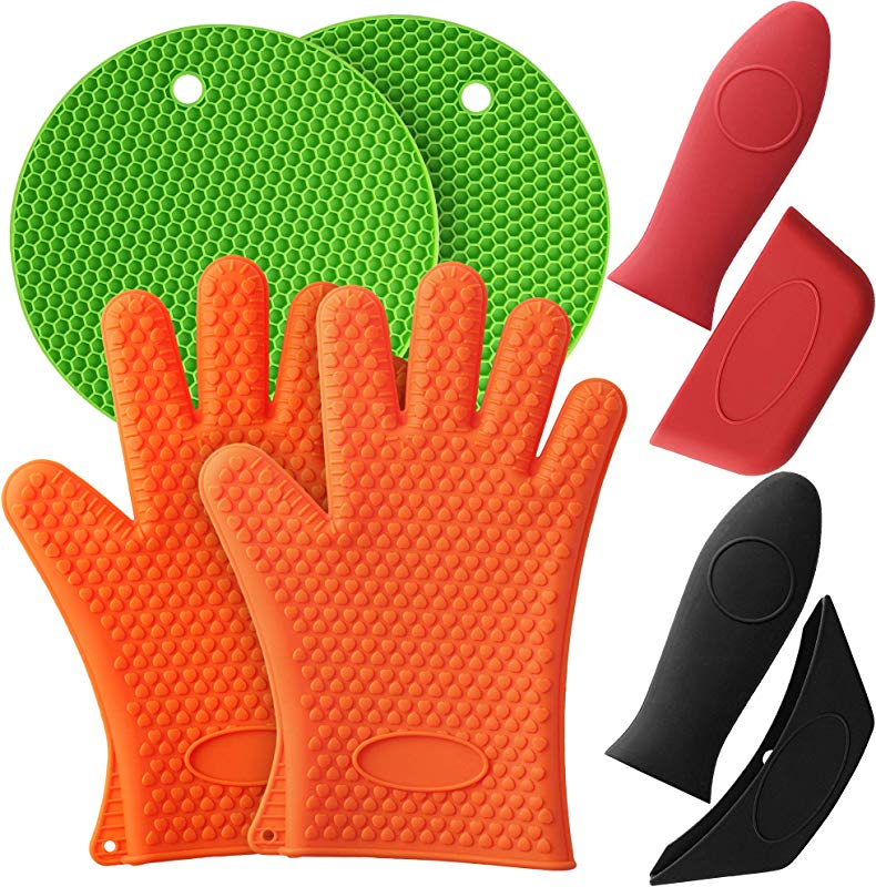 Mirandus Pack Of 8 Heat Resistant Silicone Kitchen Tools Accessories 1 Pair Of Oven Gloves 2 Trivet Mats 2 Pan Handle Covers 2 Assist Handle Holders For BBQ Cooking Baking Dishwasher Safe