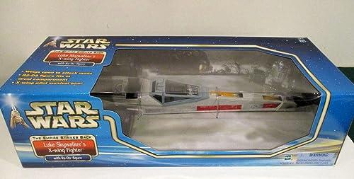 Luke Skywalker′s X-Wing Fighter w  R2-D2 Figure