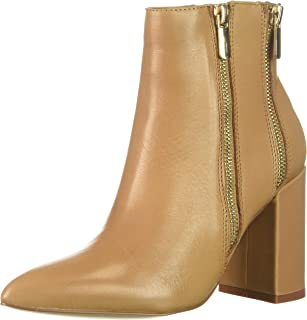 حذائي للكاحل للسيدات من Fergie