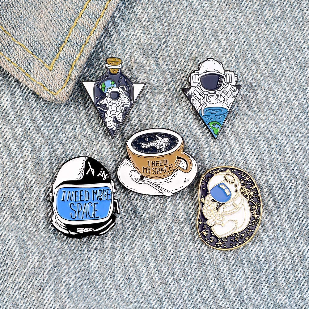 Fashion Enamel Lapel Pins Sets Cartoon Animal Fruits Punk Music Lovers Brooches Pin Badges for Clothing Bags Backpacks Jackets Hat DIY