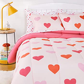 AmazonBasics Kids Easy-Wash Microfiber Bed-in-a-Bag Bedding Set - Full/Queen, Pink Hearts