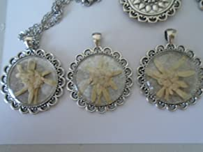 One Edelweiss Pressed Real Flower Necklace Pendant Swiss German Alps Barverian Vintage Reproduction Sound of Music