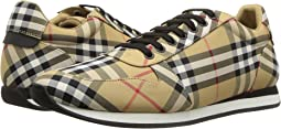 Travis Low Top Sneaker