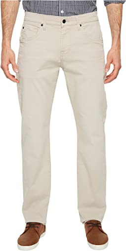 7 For All Mankind The Straight Tapered Straight Leg w/ Clean Pocket in White Onyx