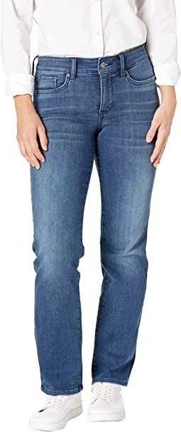 Petite Marilyn Straight Jeans in Saybrook